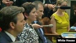 Amerikanın Səsinin Rus xidmətinin jurnalisti Fatima Tlisova Ağ Evdə ABŞ prezidenti Barak Obama ilə görüşdə