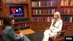 مصاحبه کترین رسل با تلویزیون آشنا