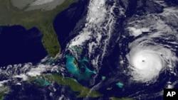 Imágen de satélite del huracán Gonzalo, el jueves 16 de octubre. Foto de la NOAA.