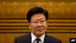 新疆黨委書記張春賢3月8日在人民大會堂講話資料照。