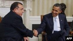 Барак Обама и Порфирио Лобо в Белом доме. 5 октября 2011г.