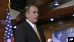 美國國會眾議院議長貝納星期四在國會的新聞發佈會上