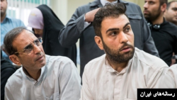 وحید مظلومین (چپ) و محمد اسماعیل قاسمی متهمان اصلی پرونده «اخلال در نظام اقتصادی» ایران که صبح چهارشنبه اعدام شدند.