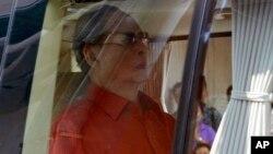 Raja Bhumibol Adulyadej, 87 tahun, dianggap sebagai tokoh pemersatu di Thailand (foto: dok).