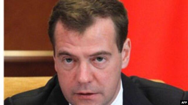Дмитрий Медведев планирует встретиться с Джо Байденом в Риме