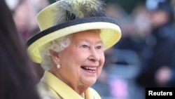 Ratu Elizabeth II merayakan ulang tahun ke-65 sebagai Ratu Inggris (foto: dok).