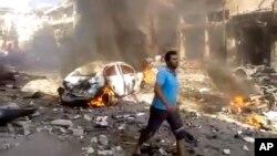 Teqîna roja Sêşemê li Îdlib, 14'ê meha 10, 2013.