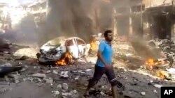 지난 14일 시리아 이들리브주 다르쿠스에서 발생한 차량 폭발 현장. (자료사진)