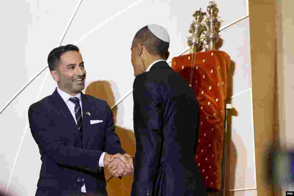 Rabbi Gil Steinlauf welcomes President Barack Obama to speak at Adas Israel Congregation as part of Jewish American Heritage Month, in Washington, May 22, 2015.