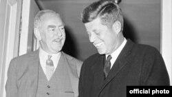 დინ აჩესონი და ჯონ კენედი