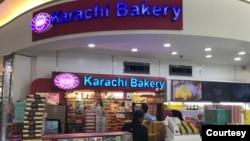 ممبئی میں کراچی بیکری کی بندش پر بھارت میں ملا جلا ردِ عمل سامنے آ رہا ہے۔