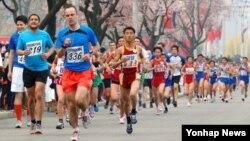지난 12일 평양에서 김일성 주석의 생일인 '태양절'을 기념한 국제 마라톤 대회가 열렸다.