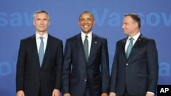 Єнс Столтенберґ, Барак Обама та Анджей Дуда на саміті НАТО у Варшаві.