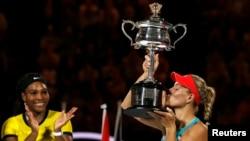 Kerber đoạt giải Grand Slam đầu tiên của năm nay, hạ cây vợt số 1 thế giới trong ba ván 6-4, 3-6, 6-4.