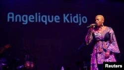 Singer Angelique Kidjo performs on stage at the Etisalat Prize for Literature award ceremony in Lagos March 15, 2015. (REUTERS/Akintunde Akinleye)