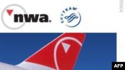 Hành khách bị khống chế vì đốt pháo trên máy bay