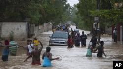 Айзек вызвал наводнение на Гаити