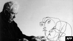 Umetnik Aleksandar Kolder je u svojim radovima kombinovao ljubav prema mobilima i portretima