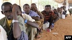Біженці з Сомалі в таборі на кордоні між Кенією та Сомалі.