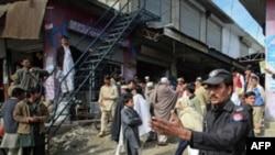 Pakistanda məktəbli yeniyetmə hərbi hissəni partladıb
