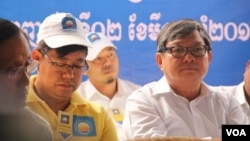 Lawmaker Mao Monyvann (wearing a yellow t-shirt) is pictured at the Cambodia National Rescue Party's extraordinary congress, Phnom Penh, Cambodia, March 2, 2017. (Aun Chhengpor/VOA)