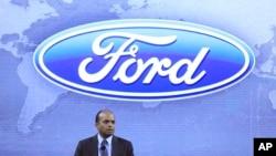 资料照:时任福特集团全球产品开发副总裁的拉吉·奈尔在底特律参加产品发布会。(2012年12月4日)