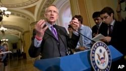 El líder de la mayoría del Senado, Harry Reid, dijo que la reforma migratoria es para él un asunto personal.