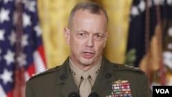 Komandan pasukan AS di Afghanistan, Jenderal John Allen akan dicalonkan sebagai komandan tertinggi NATO (foto: dok).