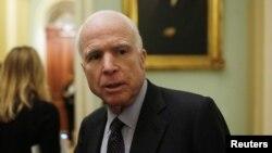 Senatè Repibliken John McCain.