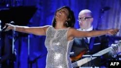 Ünlü Şarkıcı Whitney Houston 48 Yaşında