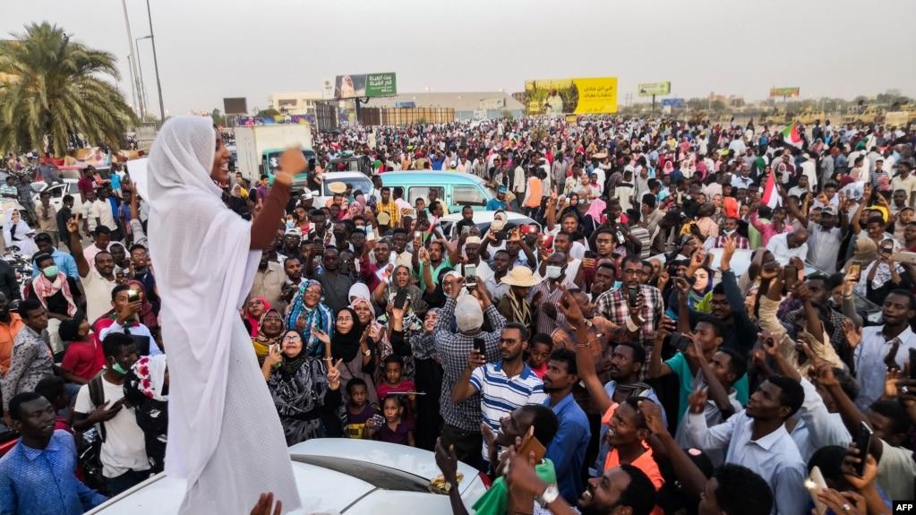 Alla Salah à Khartoum le 10 avril 2019.
