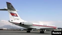 북한 고려항공이 운항 중인 러시아 투펠로프사의 TU-134B-3 항공기. (자료사진)