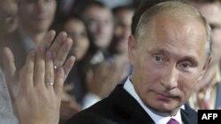 Vladimir Putin Leonid Brejnevlə müqayisə edilə bilməz