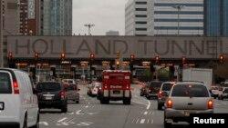 Entrada al túnel Holland que comunica la parte baja de Manhattan con Nueva Jersey.