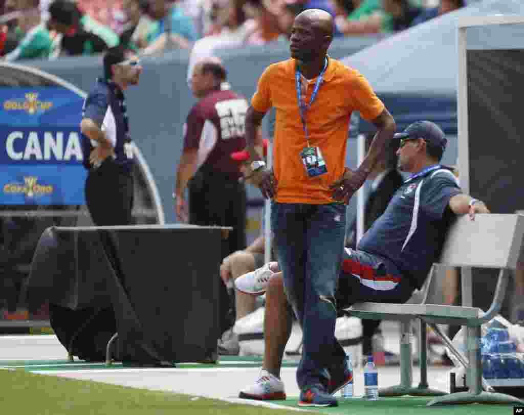 El entrenador de Panamá, el ex goleador internacional Julio César Dely Valdéz, ha logrado imprimir su sello de fútbol ofensivo al equipo que revelación en la Copa Oro.