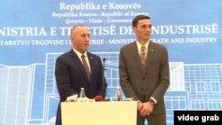 Kosovski premijer Ramuš Haradinaj i ministar trgovine Kosova Endrit Šalja