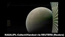 Planeta Mars fotografisana sa udaljenosti od 6000 kilometara - sa eksperimantalnog satelita Mars Cube One