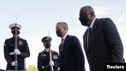 美国国防部长奥斯汀欢迎北约秘书长斯托尔滕贝格(Jens Stoltenberg)到访(路透社2021年10月4日)