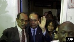 Duvalier Haiti'ye varışında