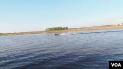 漢特-曼西斯克附近的西伯利亞主要大河--額爾齊斯河