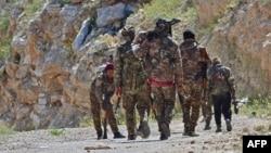 Një patrullë e SDF-së pranë Baghuz-it