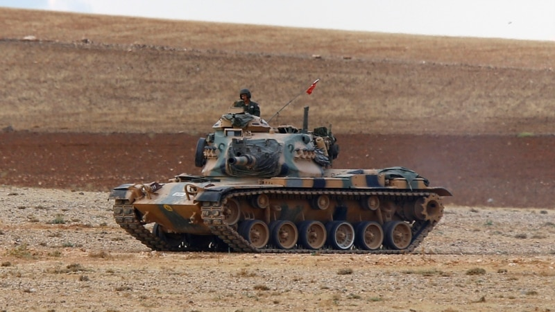 Hesitant Turkey Seeks Mandate for Military Action Against IS