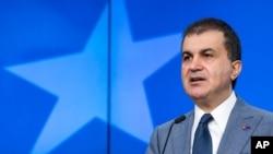 Avrupa Birliği Bakanı Ömner Çelik, AB Komisyonu yetkilileriyle ilişkilerde gelinen aşamanın yanı sıra vize muafiyeti ve terörle mücadele gibi konuları da ele alacak.