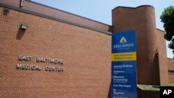 Le centre médical de Johns Hopkins à Baltimore (Photo AP)