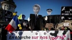 """Parižani protestuju zbog """"zakona o globalnoj bezbjednosti"""" koji bi zabranio objavljivanje snimaka policije na dužnosti, u Parizu, 28. novembra 2020."""