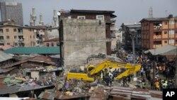 Shughuli za uokoaji zikiendelea Alhamisi mjini Lagos, Nigeria baada ya jengo la ghorofa kuporomoka, Jumatano, Machi 14, 2019