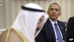 President Obama bertemu dengan emir Kuwait Sheik al Ahmad Jaber al-Sabah di Oval Office, Gedung Putih, Washington, 13/9/ 2013.