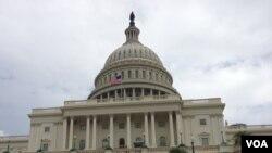 Le capitol à Washington DC, 16 octobre 2013. (Sandra Lemaire/VOA)