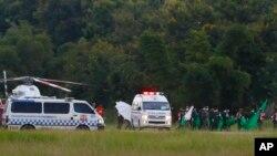 نوجوانان سریع به بیمارستان منتقل شدند.