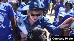 Helen Zille lors d'une campagne électorale dans la province du cap occidental, en 2014. (Photo courtesy DA)